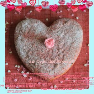 Gateau aux biscuits roses et pralines roses