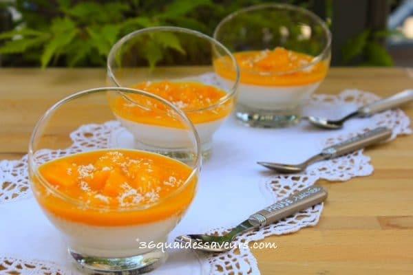 Panna cotta au lait de coco et coulis de mangue